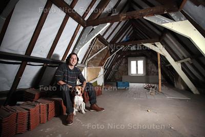 Diederick Olthoff in zijn in aanbouw/verbouw zijn hostel en kroeg (De Gekke Geit) in het centrum - DEN HAAG 20 JANUARI 2014 - FOTOGRAAF NICO SCHOUTEN