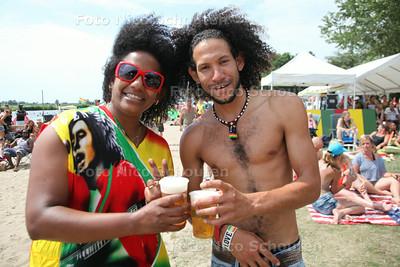 Rastaplas aan het Noord Aa - Publiek tijdens Rapha Pic & the Roots Rockers - ZOETERMEER 20 JULI 2014 - FOTOGRAFIE NICO SCHOUTEN