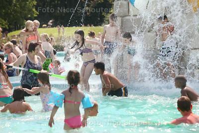 Vandaag gaat openluchtzwembad t Keerpunt open - ZOETERMEER 18 JULI 2014 - FOTOGRAFIE NICO SCHOUTEN