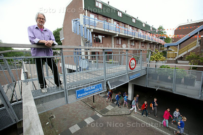 Jan Straatman stedenbouwkundige in wijk Buytenwegh voor historische rubriek - ZOETERMEER 3 MEI 2014 - FOTOGRAFIE NICO SCHOUTEN