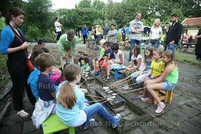Open avond Wijktuinen - wijktuin Zegwaartseweg - ZOETERMEER 10 JUNI 2014 - FOTOGRAFIE NICO SCHOUTEN