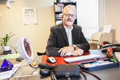 Dokter Krapels, stopt na 35 jaar als huisarts - ZOETERMEER 13 MAART 2014 - FOTOGRAFIE NICO SCHOUTEN