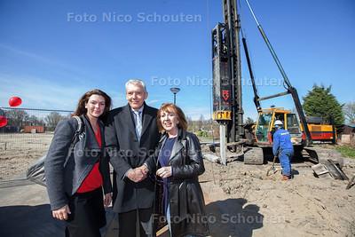 De eerste heipaal wordt geslagen voor de bouw van zes energieneutrale villa's door Dutch Housing Company - De toekomstige bewoners: De familie van Egmond - DEN HAAG 20 MAART 2014 - FOTOGRAFIE NICO SCHOUTEN
