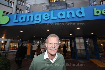Frans Breumelhof, voorzitter van de Cliëntenraad van het Langeland ziekenhuis - ZOETERMEER 18 MAART 2014 - FOTOGRAFIE NICO SCHOUTEN