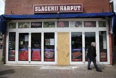 brand gisteren in slagerij Harput in de Dorpsstraat - ZOETERMEER 14 MEI 2014 - FOTOGRAFIE NICO SCHOUTEN