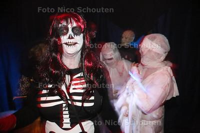 Buurtvereniging Oostdorp en Omgeving organiseert voor de vierde maal een grandioze Halloween Trick or Treat - Het spookhuis van de Scouting - WASSENAAR 31 OKTOBER 2014 - FOTOGRAFIE NICO SCHOUTEN