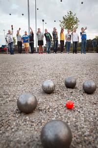 Bij ABA, de petanque club van Rijswijk is vanavond het allereerste petanque (jeu de boules) open trainingcenter. Competitie- en tournooispelers krijgen zo de kans om flink te trainen en hogerop te komen - RIJSWIJK 15 SEPTEMBER 2014 - FOTOGRAFIE NICO SCHOUTEN