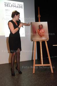 Selfies van Heleen van Royen worden geveild in het Letterkundig museum - DEN HAAG 6 SEPTEMBER 2014 - FOTOGRAFIE NICO SCHOUTEN