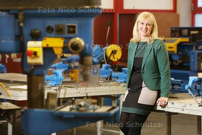 nieuwe directeur Stedelijk College mevrouw Klunder - ZOETERMEER 22 JANUARI 2015 - FOTO NICO SCHOUTEN