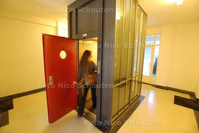 interieurarchitect Karel van Bodegom (49) in Nirwana pop-up musem -  - DEN HAAG 22 JULI 2015 - FOTO NICO SCHOUTEN