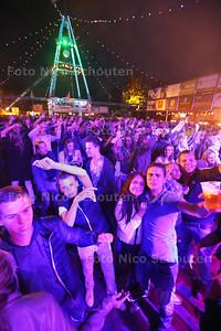 Spektakelfeest - MAASDIJK 26 JULI 2015 - FOTO NICO SCHOUTEN