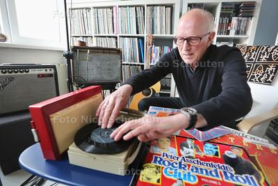 Ruud van Wijngaarden vertelt over de Zoetermeerse muziekgeschiedenis - ZOETERMEER 24 MAART 2015 - FOTO NICO SCHOUTEN