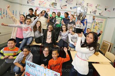 Klas 7A van de Gerth van Wijkschool wint Squla quiz. Afgelopen week streden 2.000 Nederlandse klassen tegen elkaar tijdens de Leuk Leren Week door middel van het leerzame Squla tegen elkaar te strijden. Klas 7A van de Gerth van Wijkschool uit het Laakkwartier in Den Haag heeft de meeste punten behaald. Deze school mag zich daarmee de beste groep 7 van Nederland noemen - DEN HAAG 30 MAART 2015 - FOTO NICO SCHOUTEN