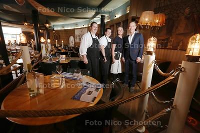 Restaurant De Dagvisser voor de Gouden Pollepel - vlnr Richard Pruijn (chef kok), Sarissa v/d Meijde (sous chef), Lisanne v/d Zwan (bediening) en Daniel Burer (Maitre) - DEN HAAG 20 MAART 2015 - FOTO NICO SCHOUTEN