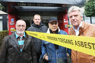 Gedupeerd door vondst asbest. The Cosy Rockers zouden debuteren zaterdag in De Leuningjes, maar door asbestvondst gaat dat niet door. Ze balen, maar hebben gelukkig wel een nieuwe plek voor hun optreden - POELDIJK 15 OKTOBER 2015 - FOTO NICO SCHOUTEN