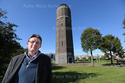 Wim Sonneveld organiseert dit jaar voor het eerst een openbare herdenking voor mensen die dit jaar zijn gestorven. Hij probeert hiermee te voldoen aan een groeiende behoefte voor de collectieve rouwverwerking. Plek waar dit op 1 november gaat gebeuren is de Watertoren - ZOETERMEER 30 SEPTEMBER 2015 - FOTO NICO SCHOUTEN