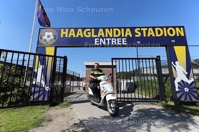 Haaglandia vraagt faillissement aan - de wijkagenten komen ook even een kijkje nemen - RIJSWIJK 24 AUGUSTUS 2016 - FOTO NICO SCHOUTEN