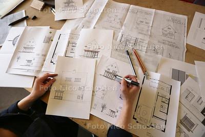 Wonen / ontwerpster Floor Bohemen. Haar collectie Dutch Design achter de duinen - DEN HAAG 25 FEBRUARI 2016 - FOTO NICO SCHOUTEN