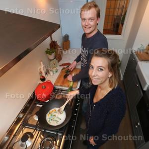Aan tafel - Elise Jelier en Sebastiaan Riemen - DEN HAAG 23 FEBRUARI 2016 - FOTO NICO SCHOUTEN