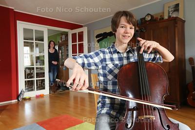 Cello-talent Reinier Wink (hij is 13 en heeft een concours gewonnen) - DEN HAAG 23 FEBRUARI 2016 - FOTO NICO SCHOUTEN