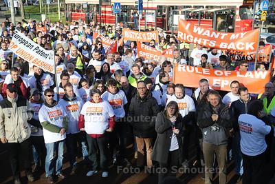 Demonstratie Personeel van Europees Octrooibureau - DEN HAAG 28 JANUARI 2016 - FOTO NICO SCHOUTEN