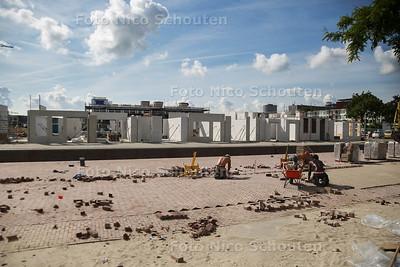 Tochtje door de Spoorzone - geen bouwvak hier - DELFT 26 JULI 2016 - FOTO NICO SCHOUTEN
