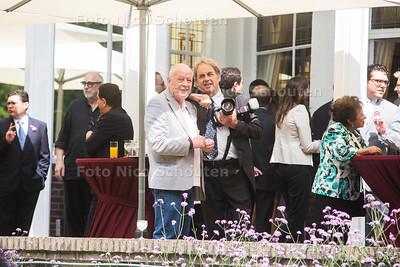Leo van der Velde en Jos van Leeuwen op feest residentie van de ambassadeur van Peru - WASSENAAR 28 JULI 2016 - FOTO NICO SCHOUTEN