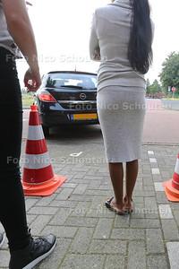 Parkeerproblemen aan het Hof van Wieligh - NOOTDORP 28 JULI 2016 - FOTO NICO SCHOUTEN