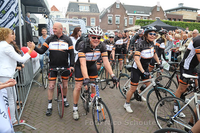 Finish Westlandse Ride Wilhelminaplein - NAALDWIJK 29 MEI 2016 - FOTO NICO SCHOUTEN
