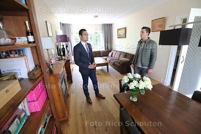 Makelaar Angelo van der Heiden van Re/Max Makelaars houdt zaterdag van 11.00 tot 13.00 open huis in een woning in Voorburg - VOORBURG 28 MEI 2016 - FOTO NICO SCHOUTEN