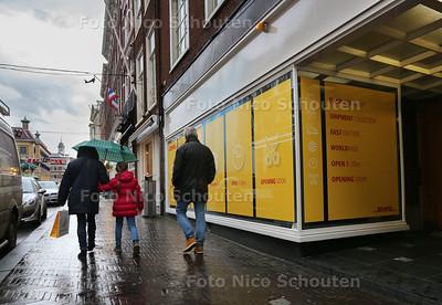 Nieuwe DHL winkel op het Noordeinde - DEN HAAG 21 NOVEMBER 2016 - FOTO NICO SCHOUTEN
