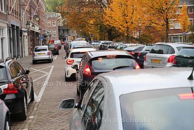 Verkeerschaos door werkzaamheden Tournooiveld garage - Hooikade - DEN HAAG 25 OKTOBER 2016 - FOTO NICO SCHOUTEN