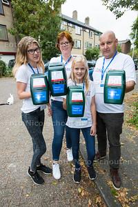 John Zandbergen, vrouw en dochters zijn collectanten voor het Diabetesfonds vlnr Willemijn (14) Moeder Nyncke (11) en John Zandbergen - ZOETERMEER 26 SEPTEMBER 2016 - FOTO NICO SCHOUTEN