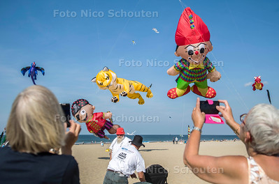 Internationaal Vliegerfestival 2016 Scheveningen - DEN HAAG 25 SEPTEMBER 2016 - FOTO NICO SCHOUTEN