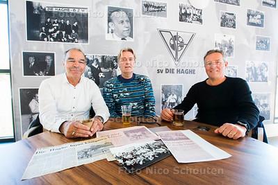 Spelers uit het kampioenselftal van 1983 Die Haghe; vlnr Kees de Groot, Richard Walter, Hans van Belle - DEN HAAG 18 APRIL 2017 - FOTO NICO SCHOUTEN