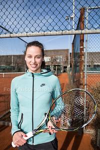 Erika Vogelsang, Haagse tennisster is even in Nederland voordat ze weer in het buitenland toernooien gaat spelen-DEN HAAG 21 FEBRUARI 2017 - FOTO NICO SCHOUTEN