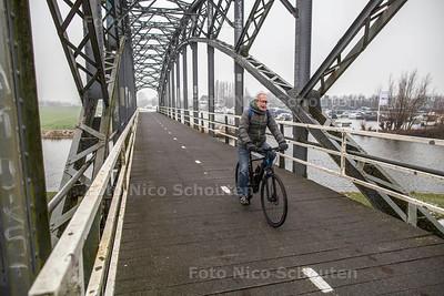 Recratieve routes Midden-Delfland - De Trambrug - SCHIPLUIDEN 7 JANUARI 2017 - FOTO NICO SCHOUTEN