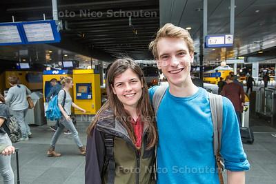 Max van Deursen en Martine de Zoeten gaan binnenkort per trein van Den Haag CS naar Kuala Lumpur - DEN HAAG 25 JULI  2017 - FOTO NICO SCHOUTEN