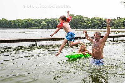 Natuurzwembad de Put - RIJSWIJK 8 JULI  2017 - FOTO NICO SCHOUTEN