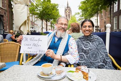 Filosoof Hubertus Bahorie met zijn vrouw Adjani- DELFT 16 JUNI 2017 - FOTO NICO SCHOUTEN