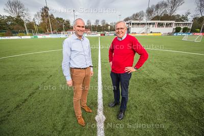 voetballers Pim van der Vegt (r) en Jos Vercauteren op het hoofdveld van HBS - DEN HAAG 26 OKTOBER 2017 - FOTO NICO SCHOUTEN
