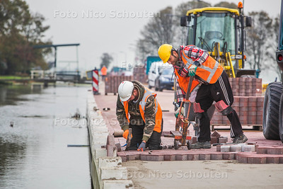 Werkzaamheden stompwijkseweg - LEIDSCHENDAM-VOORBURG 26 OKTOBER 2017 - FOTO NICO SCHOUTEN