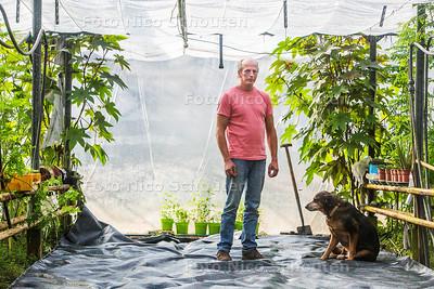 jouke vd berg - Jungleplanten kweker - NAALDWIJK 18 OKTOBER 2017 - FOTO NICO SCHOUTEN