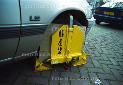 WIELKLEM, PARKEREN, PARKEERBELEID; DEN HAAG 28 NOVEMBER 2001; FOTO: NICO SCHOUTEN
