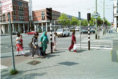 DE SCHILDERSWIJK; PALETPLEIN (KRUISING HOBBEMASTRAAT-VAILLANTLAAN) DEN HAAG 26 AUGUSTUS 2001; FOTO: NICO: SCHOUTEN