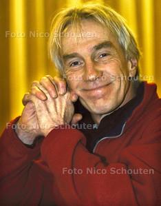 JOEP VAN EGMOND, CABARATIER; DEN HAAG 4 JANUARI 2002; FOTO: NICO SCHOUTEN