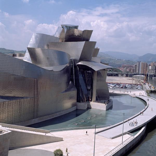 GUGGENHEIM MUSEUM, BILBAO, SPAIN, FRANK O' GEHRY & ASSOCIATES