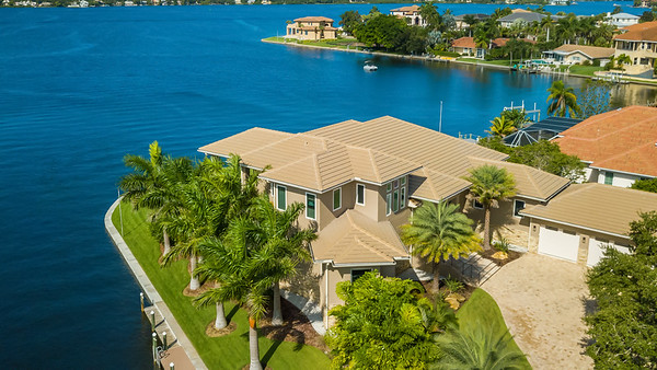 7799 N Holiday Drive, Sarasota, FL