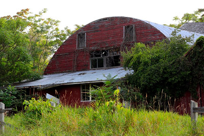 Abandon barns and homes in MI - 6-11-15