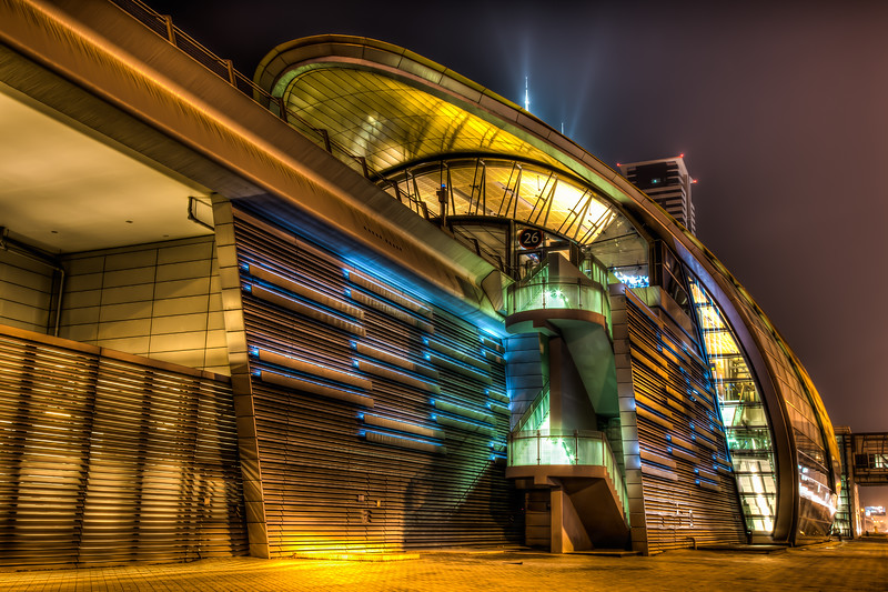 HDR, Business Bay Metro Station.